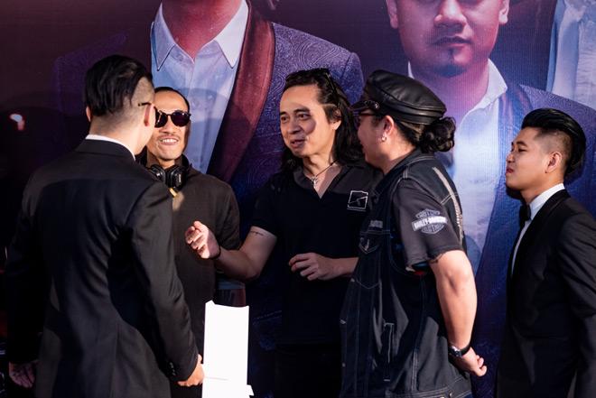 """MC Anh Tuấn dẫn vợ """"hoa hậu"""" tới ủng hộ nhóm nhạc rock Ngũ Cung - hình ảnh 6"""