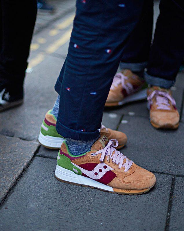 Mách quý ông phân loại và đi giày sneaker đẹp bất chấp hoàn cảnh - hình ảnh 10
