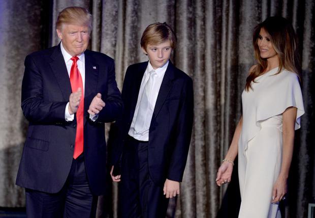 """Chị em """"vỡ mộng"""" vì diện mạo của """"hoàng tử nhà Trump"""": Tăng cân, lộ mỡ bụng - hình ảnh 5"""