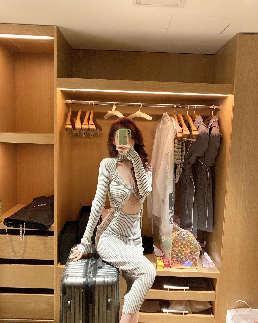 """Nàng giám đốc Đài Loan chuyên mặc kiểu đồ """"trắc nết"""", hở vẫn được khen thời thượng - hình ảnh 10"""