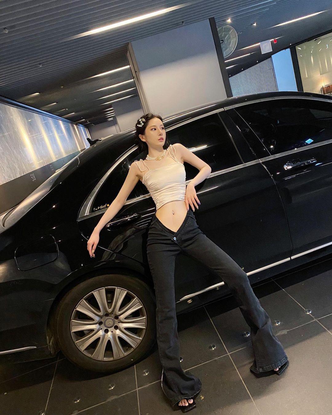 """Nàng giám đốc Đài Loan chuyên mặc kiểu đồ """"trắc nết"""", hở vẫn được khen thời thượng - hình ảnh 9"""