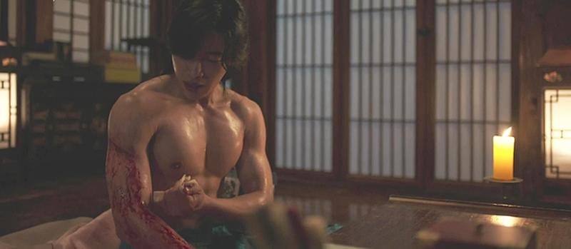 Trai đẹp Hàn Quốc khiến Trấn Thành trầm trồ cao 1m85, tập 8 tiếng/ngày để body 6 múi - hình ảnh 5