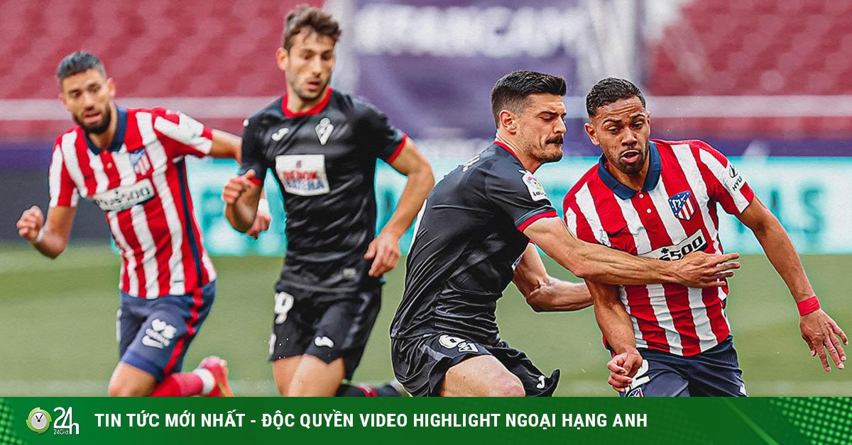 Video Atletico Madrid - Eibar: Hủy diệt 5 bàn, giữ vững ngôi đầu