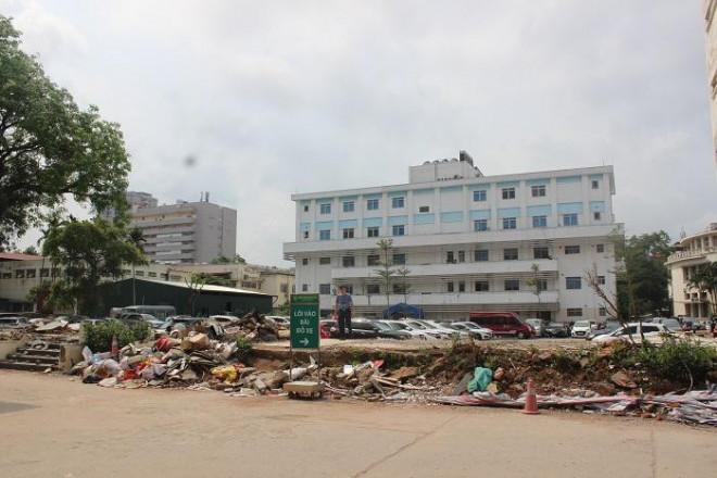Phía sau những ồn ào ở Bệnh viện Bạch Mai: Người bệnh được lợi gì? - 4
