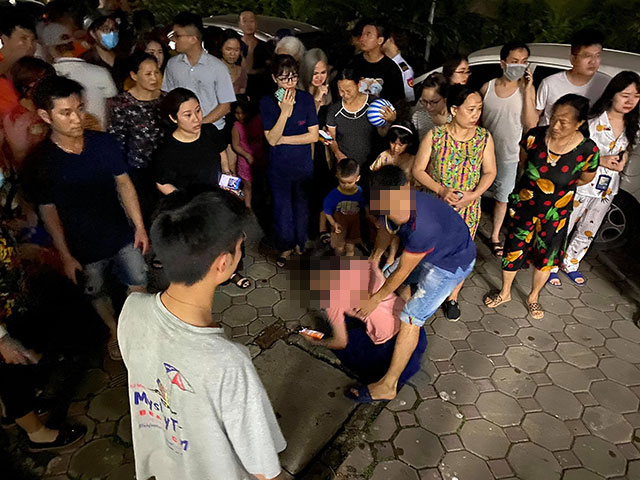 Bé gái 4 tuổi rơi từ tầng 24 chung cư: Mẹ gào khóc gọi con - hình ảnh 1