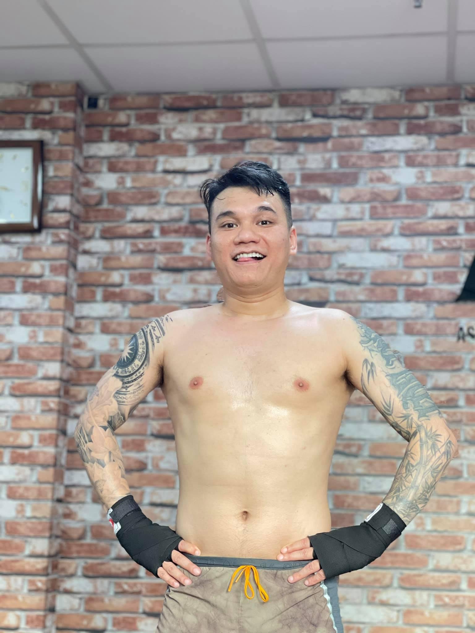 Khắc Việt bị chấn thương nghiêm trọng phải lên bàn mổ - hình ảnh 3