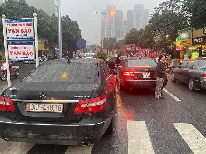 """Vụ 2 xe Mercedes biển số giống """"y đúc"""": Lộ diện """"ông trùm"""" đường dây làm giả giấy tờ xe - hình ảnh 1"""