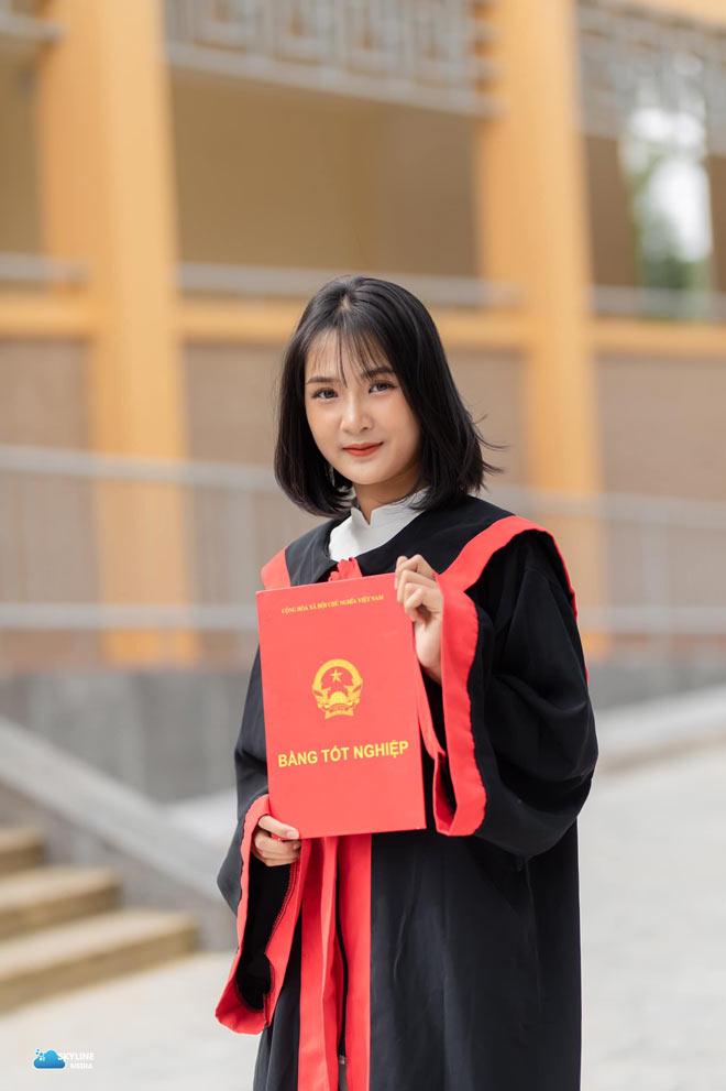 Bị học sinh chụp lén, cô giáo Thanh Hoá nổi tiếng bất thình lình vì quá xinh - 12
