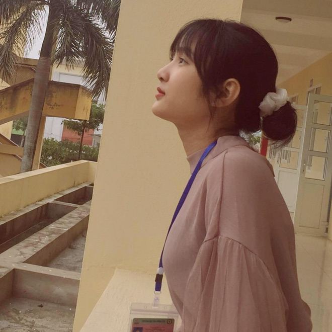 Bị học sinh chụp lén, cô giáo Thanh Hoá nổi tiếng bất thình lình vì quá xinh - 3