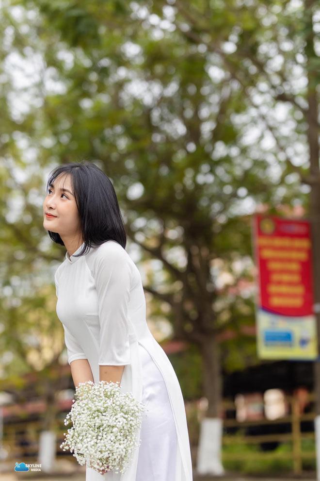 Bị học sinh chụp lén, cô giáo Thanh Hoá nổi tiếng bất thình lình vì quá xinh - 8
