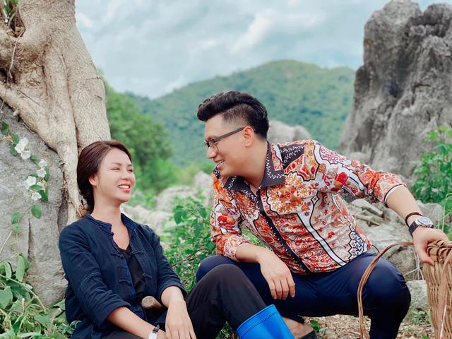 Người đẹp bị Việt Anh cưỡng hôn trong đêm là ai? - hình ảnh 2