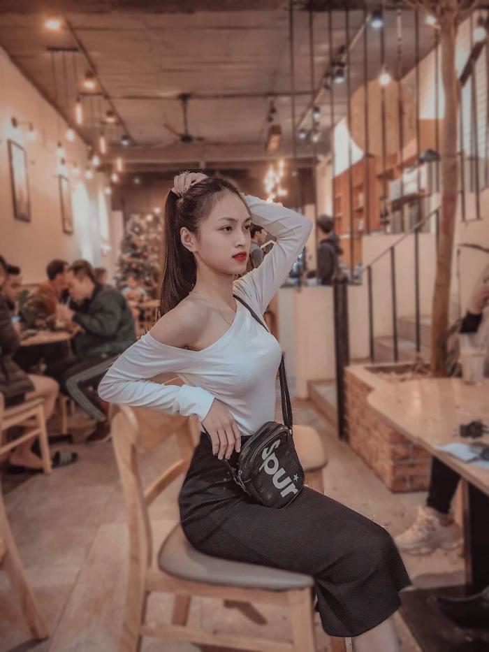 """Thí sinh HH Hoàn Vũ Việt Nam có eo của """"nữ hoàng nội y"""" nhưng được khuyên nên rút lui - hình ảnh 2"""
