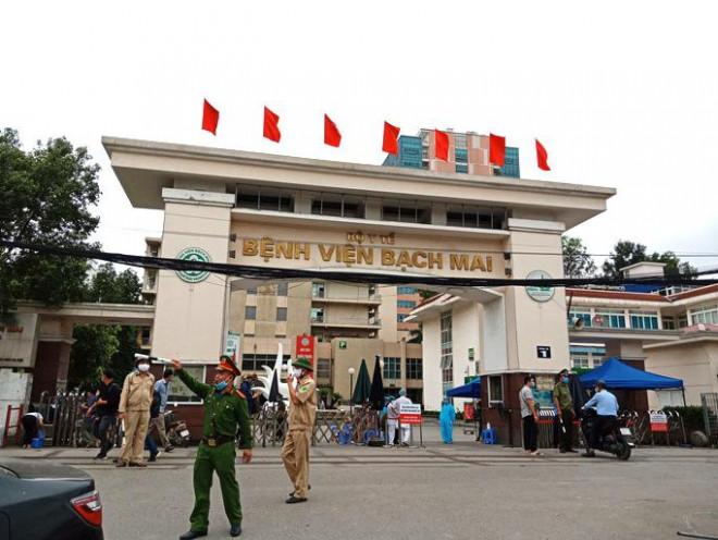 Tin tức 24h qua:Giá phẫu thuật não ở Bệnh viện Bạch Mai bị thổi gấp 4 lần - hình ảnh 1
