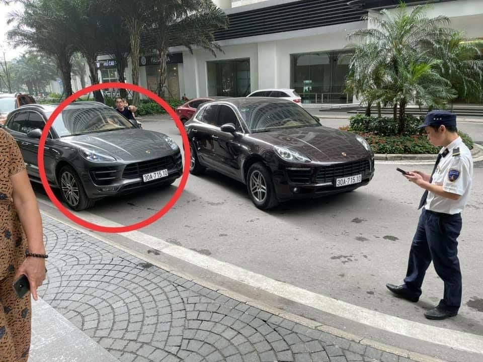 """Truy tìm tài xế lái chiếc xe Porsche """"sinh đôi"""" trùng biển số ở Hà Nội - hình ảnh 1"""