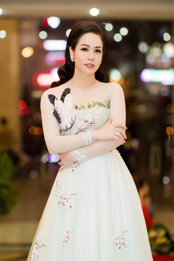 Nhật Kim Anh được bạn trai tin đồn kém 5 tuổi cầu hôn: Sự thật bất ngờ - 1