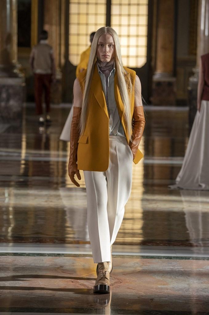 Valentino: Thời trang Haute Couture không phân biệt giới tính - hình ảnh 2
