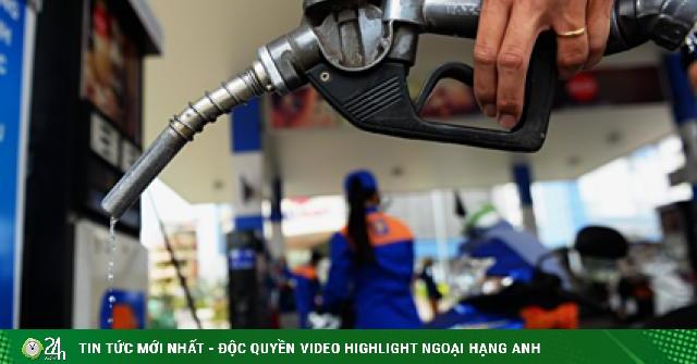 Giá dầu hôm nay 26/4: Giảm mạnh trước sự bùng nổ của Covid-19