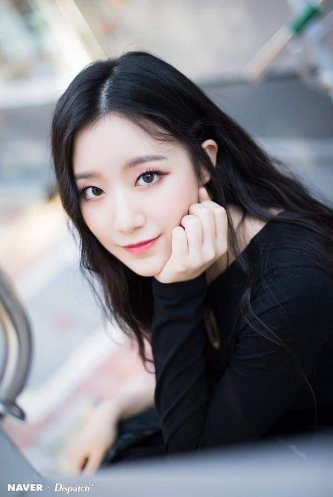 """Top 10 nữ idol có """"nhan sắc tỷ lệ nghịch với tài năng"""": Jisoo (BLACKPINK) cũng bị réo tên - 1"""