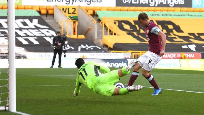 Video Wolves - Burnley: Mãn nhãn 4 bàn, hat-trick đẳng cấp - 1