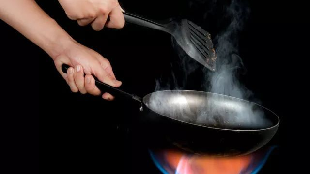 4 thói quen khi nấu nướng có thể khiến gia đình bạn mắc phải ung thư - 3