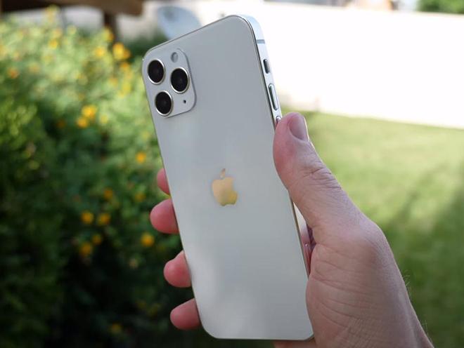 3 chiếc iPhone đáng mua nhất lúc này, sau vài năm không sợ lạc hậu - 1