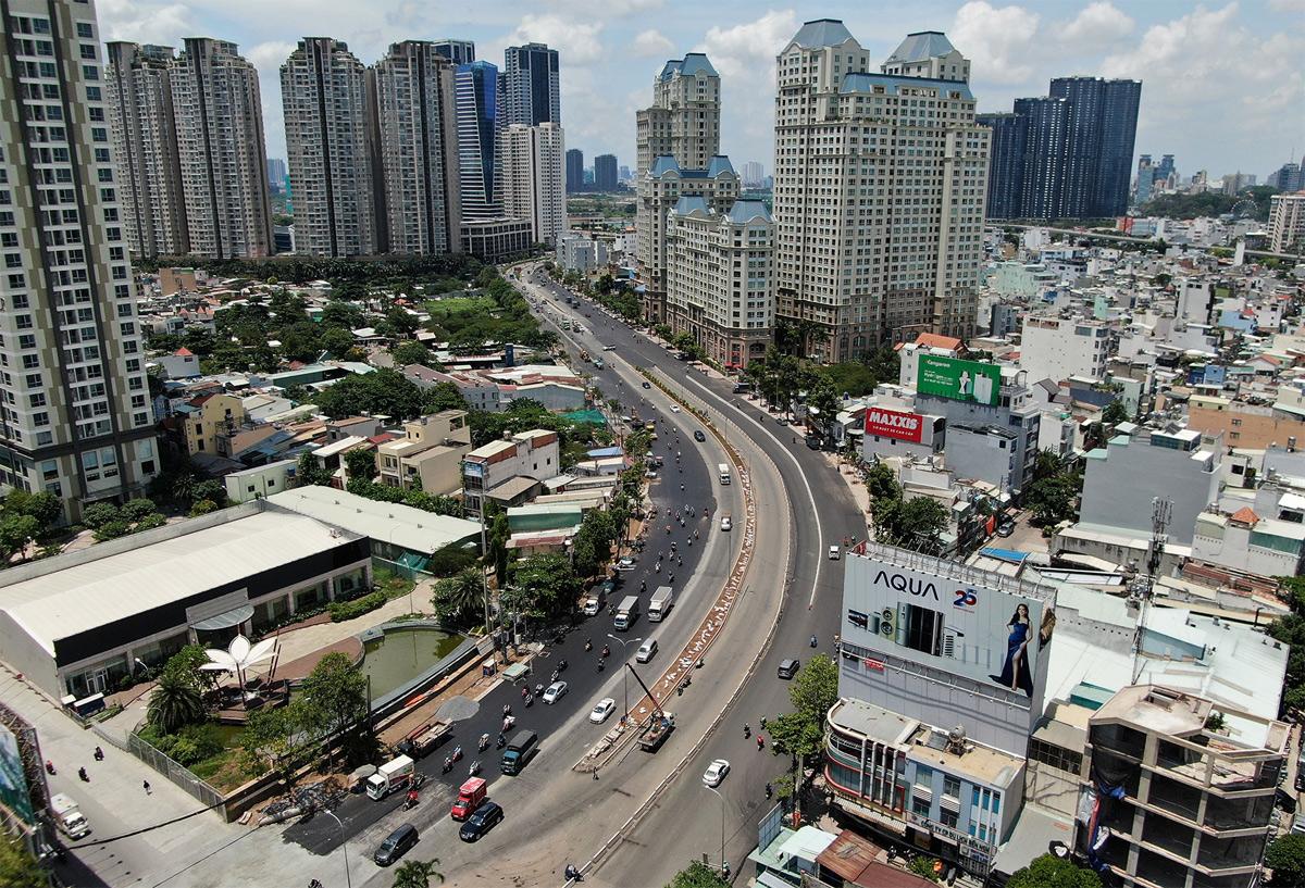 """""""Rốn ngập"""" ở Sài Gòn trước ngày hoàn thành sửa chữa - hình ảnh 1"""