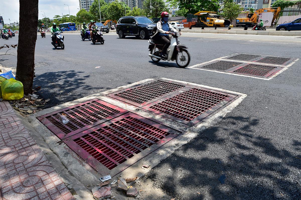 """""""Rốn ngập"""" ở Sài Gòn trước ngày hoàn thành sửa chữa - hình ảnh 11"""