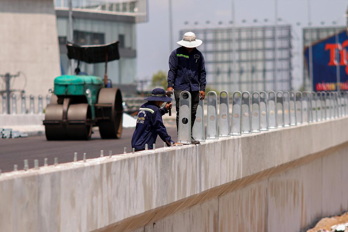 """""""Rốn ngập"""" ở Sài Gòn trước ngày hoàn thành sửa chữa - hình ảnh 8"""