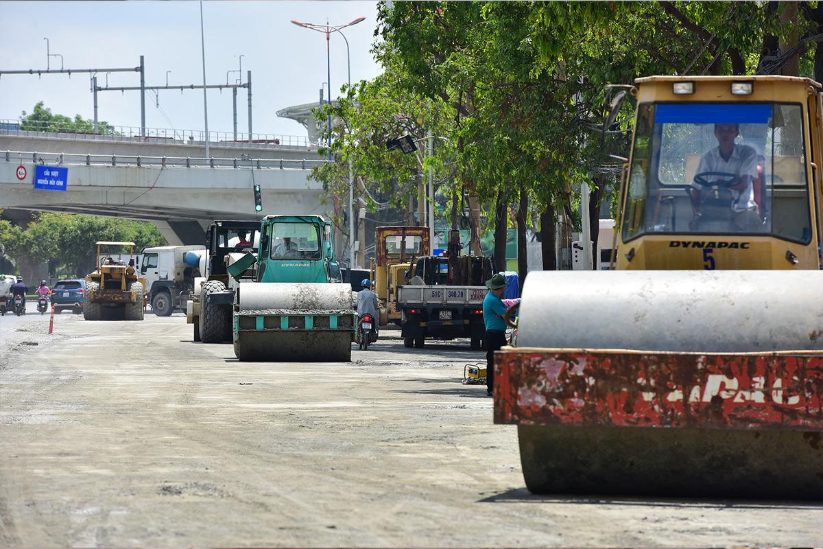 """""""Rốn ngập"""" ở Sài Gòn trước ngày hoàn thành sửa chữa - hình ảnh 9"""