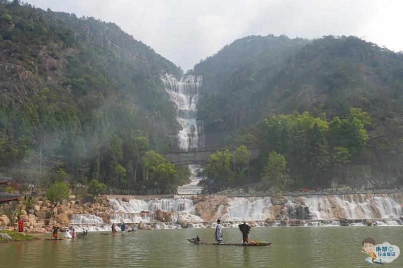 Thác nước cao nhất ở Trung Quốc, xuất hiện trở lại sau 60 năm khô cạn - 1