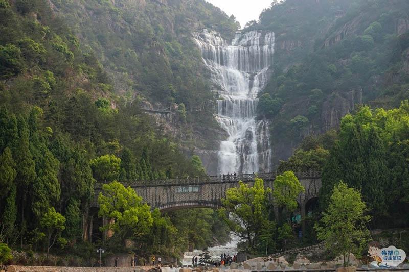 Thác nước cao nhất ở Trung Quốc, xuất hiện trở lại sau 60 năm khô cạn - 5