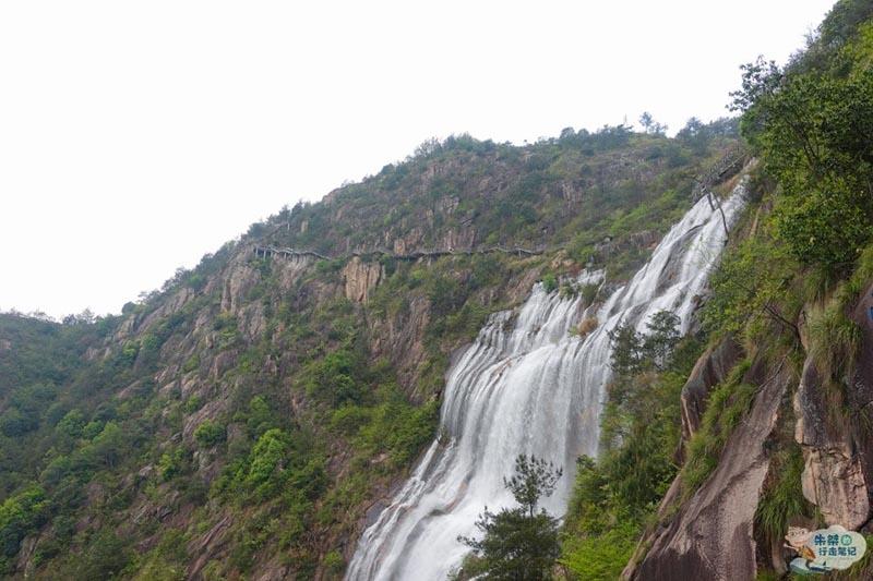 Thác nước cao nhất ở Trung Quốc, xuất hiện trở lại sau 60 năm khô cạn - 6