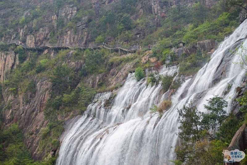 Thác nước cao nhất ở Trung Quốc, xuất hiện trở lại sau 60 năm khô cạn - 7