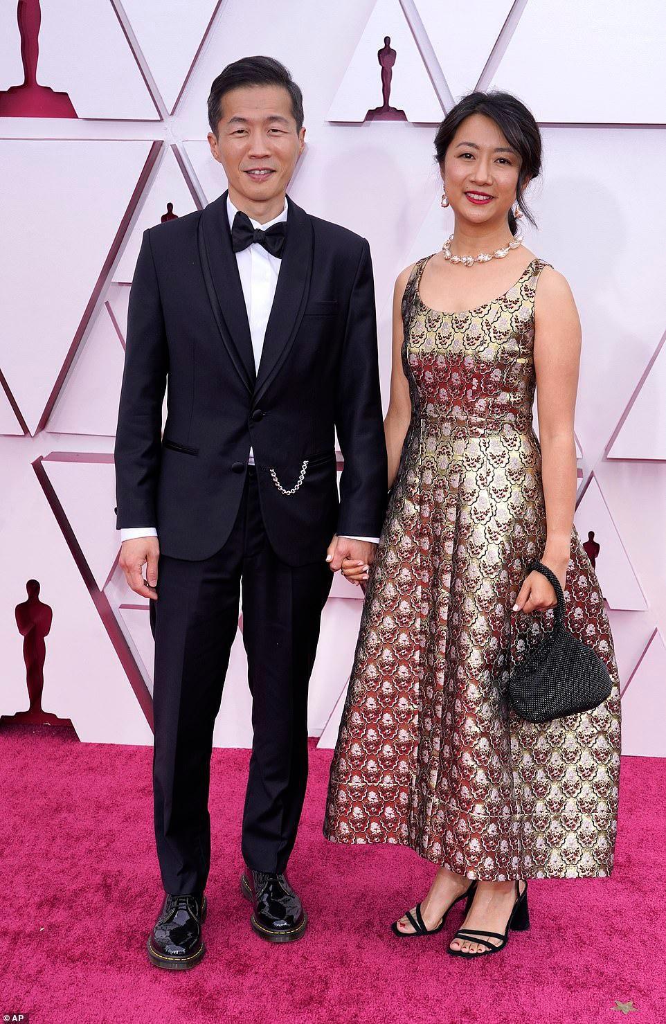 Thảm đỏ Oscar 2021: Sao Hàn đầu tiên ẵm giải Nữ phụ xuất sắc nhất - hình ảnh 2