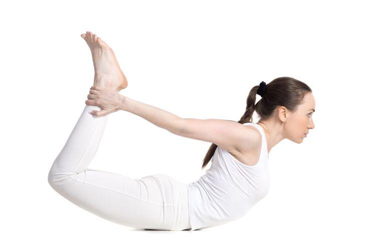 Những động tác yoga giúp chị em cải thiện vòng 1 săn gọn, hình dáng đẹp - hình ảnh 4