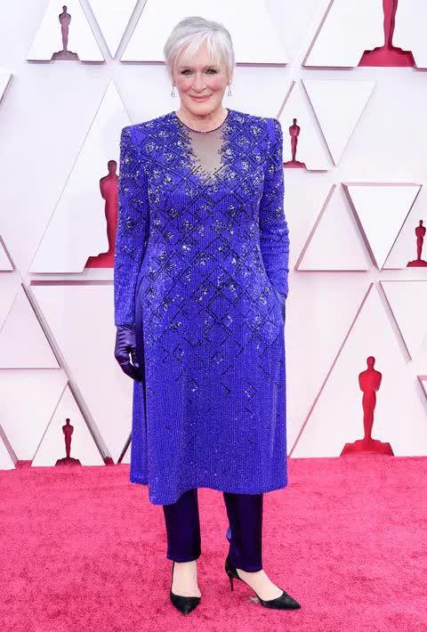 Thấy gì sau thời trang ít nhưng xa hoa của lễ trao giải Oscar 2021 - hình ảnh 2