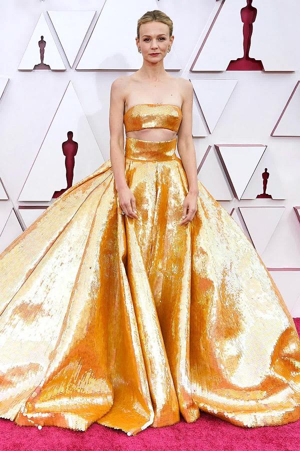 Xu hướng mùa hè gợi mở từ phong cách váy vai trần xâm chiếm giải Oscar 2021 - hình ảnh 3