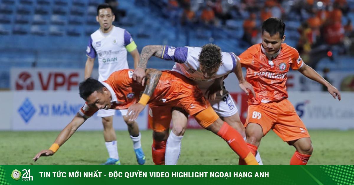 Hà Nội FC dễ phải đá trụ hạng, HLV Hàn Quốc có sẵn vali ra đi bất cứ lúc nào