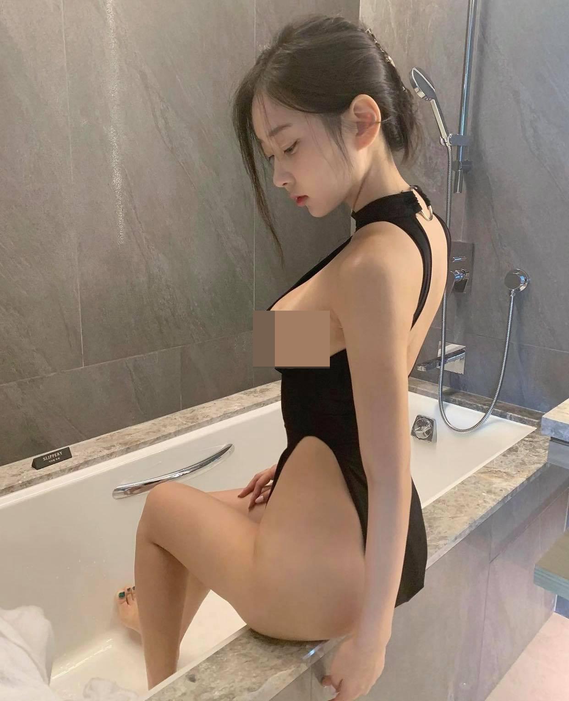"""Các chị đẹp Hàn Quốc diện """"bikini dây dợ"""" dễ gây """"gai mắt"""" vì khoe đường cong bốc lửa - hình ảnh 7"""
