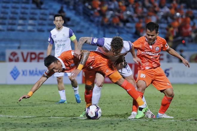 Hà Nội FC dễ phải đá trụ hạng, HLV Hàn Quốc có sẵn vali ra đi bất cứ lúc nào - 1