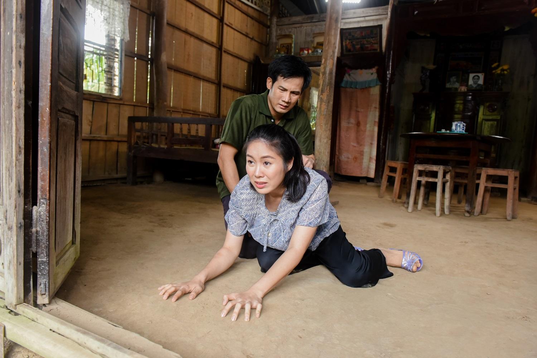Sau 2 năm nghỉ sinh, Lê Phương lấy nước mắt khán giả với hình ảnh người phụ nữ tần tảo, lam lũ - hình ảnh 4