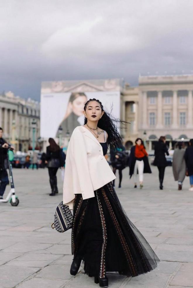 Cùng mặc áo Dior, Khánh Linh và Châu Bùi mix đồ cao tay hơn đại sứ thương hiệu Jisoo - 5