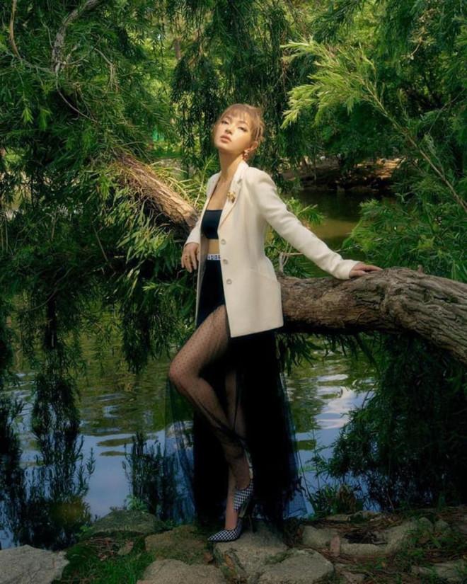 Cùng mặc áo Dior, Khánh Linh và Châu Bùi mix đồ cao tay hơn đại sứ thương hiệu Jisoo - 8