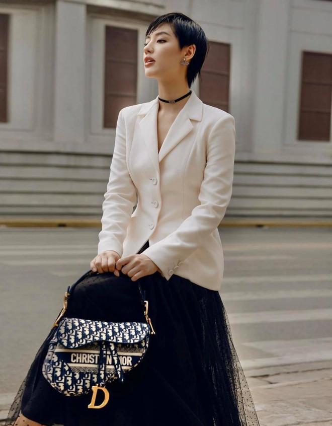 Cùng mặc áo Dior, Khánh Linh và Châu Bùi mix đồ cao tay hơn đại sứ thương hiệu Jisoo - 10