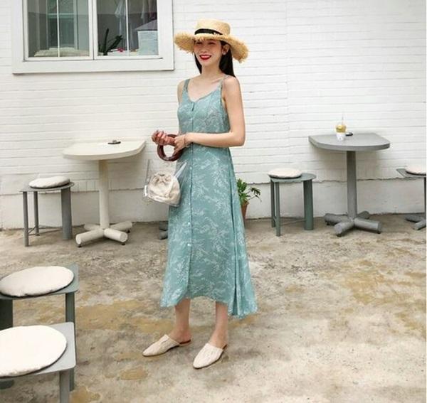 Đi biển mà thiếu 5 kiểu váy maxi này thì thật đáng tiếc - hình ảnh 1