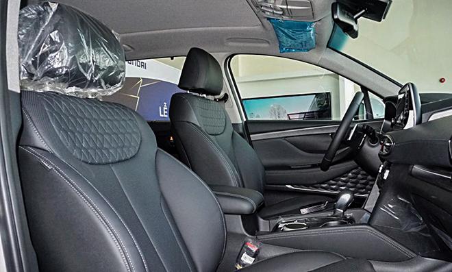 Cận cảnh Hyundai SantaFe bản máy dầu tại đại lý - 8