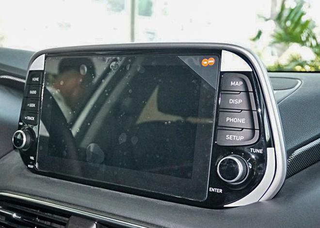 Cận cảnh Hyundai SantaFe bản máy dầu tại đại lý - 11