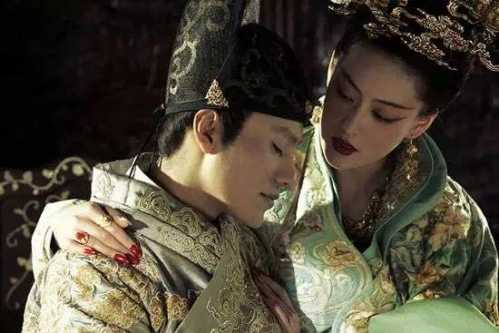 """Vị vua TQ bị cắm sừng còn rước trai vào cung cho vợ thoải mái """"hành sự"""" - 1"""