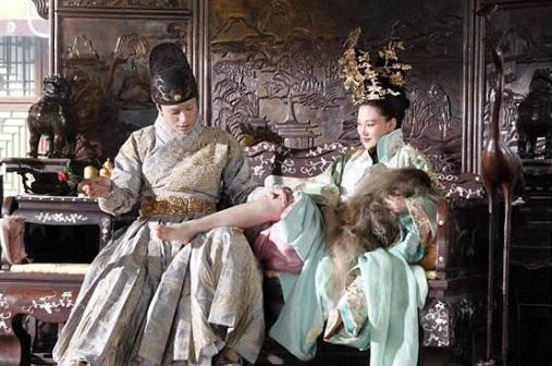 """Vị vua TQ bị cắm sừng còn rước trai vào cung cho vợ thoải mái """"hành sự"""" - 3"""