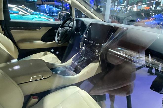 Xe sang Toyota Crown có thêm biến thể minivan cực ngầu - 6